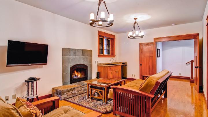 Ahwahnichi Lodge