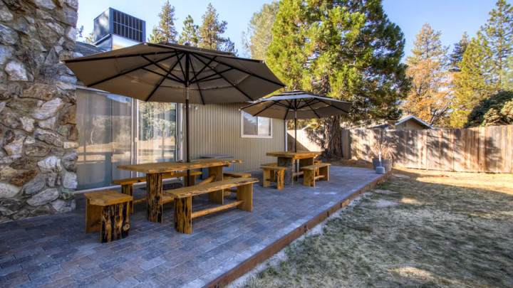 Lazy Bear Lodge
